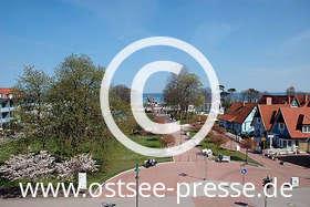 Ostsee Pressebild: Promenade zur Seebrücke
