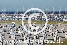 Ostsee Pressebild: Strandkörbe & Masten