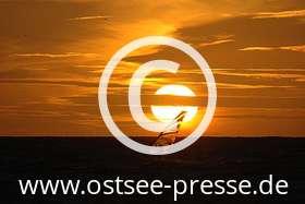 Ostsee Pressebild: Surfer